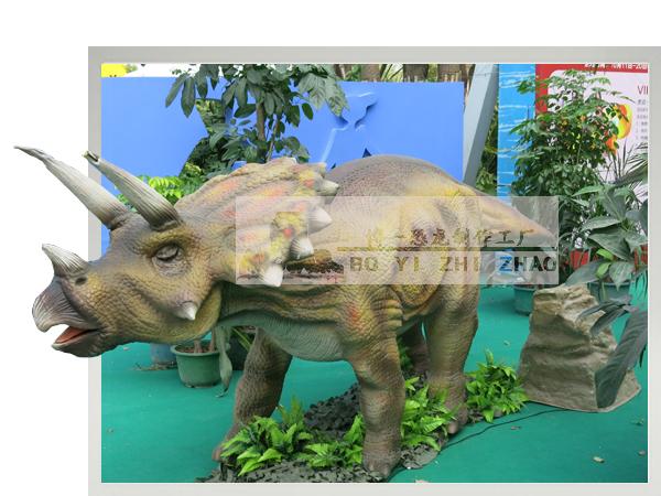 机械仿真恐龙模型-三角龙